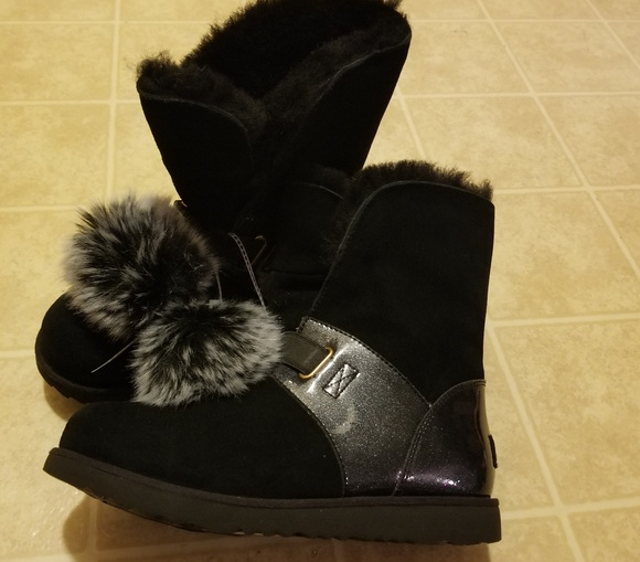 615cb1e5f27 UGG Isley girls black waterproof pompom boots p.i NWT